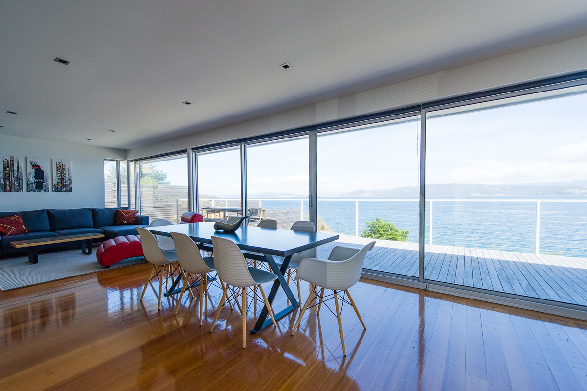 Opossum Bay house living